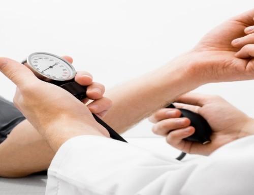 Cambiamenti nella pressione sanguigna in tarda età e malattia d'Alzheimer. Esiste un'associazione?